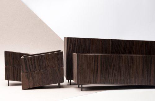 dwie brązowe szafki i komody z kolekcji Tilt Natalii Wieteski na Salone Satellite 2019