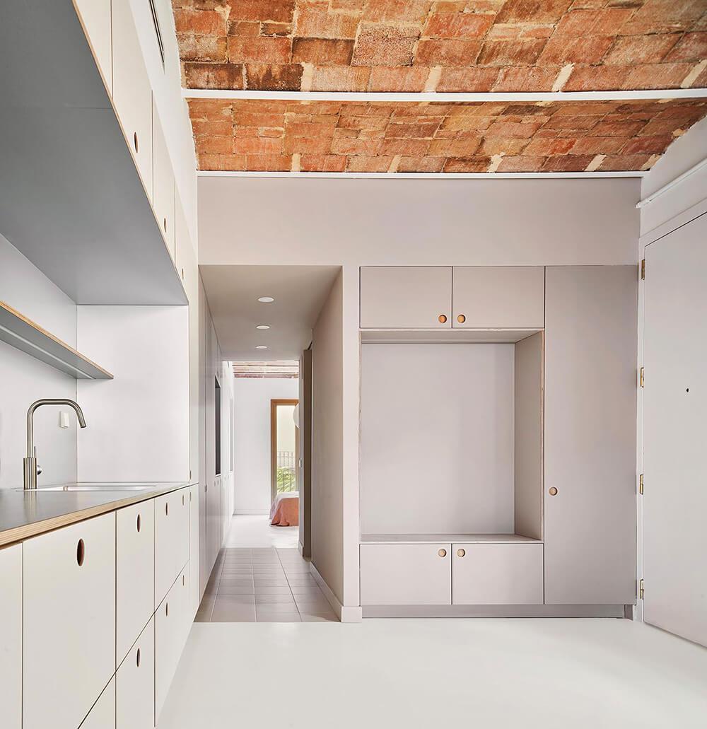 Nowa definicja minimalizmu: apartament zhistorią wBarcelonie