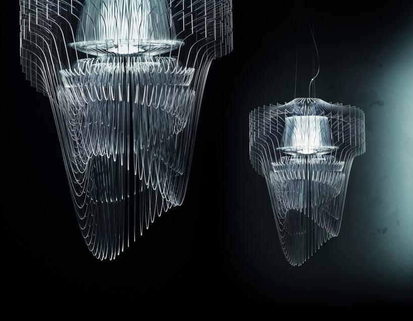dwa żyrandole Aria zplastikowych cienkich przeźroczystych plastikowych żeberek