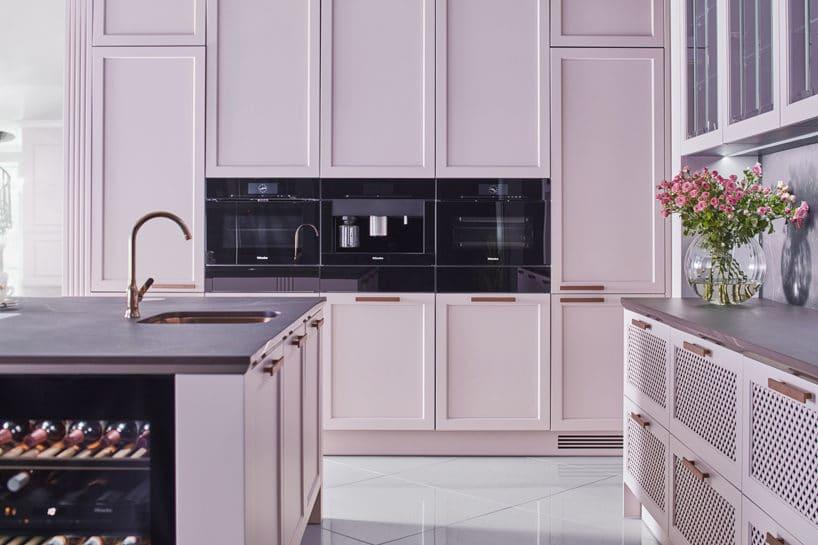 różowa elegancka kuchnia S4 zkolekcji STYLE od ernestrust