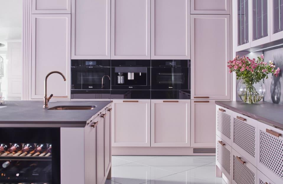 różowa elegancka kuchnia S4 z kolekcji STYLE od ernestrust