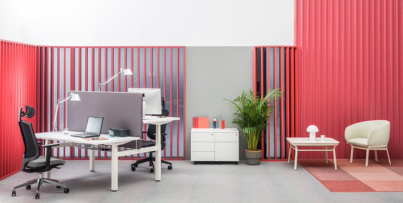 nowoczesna aranżacja biura wykończona czerwonymi deskami od MDD