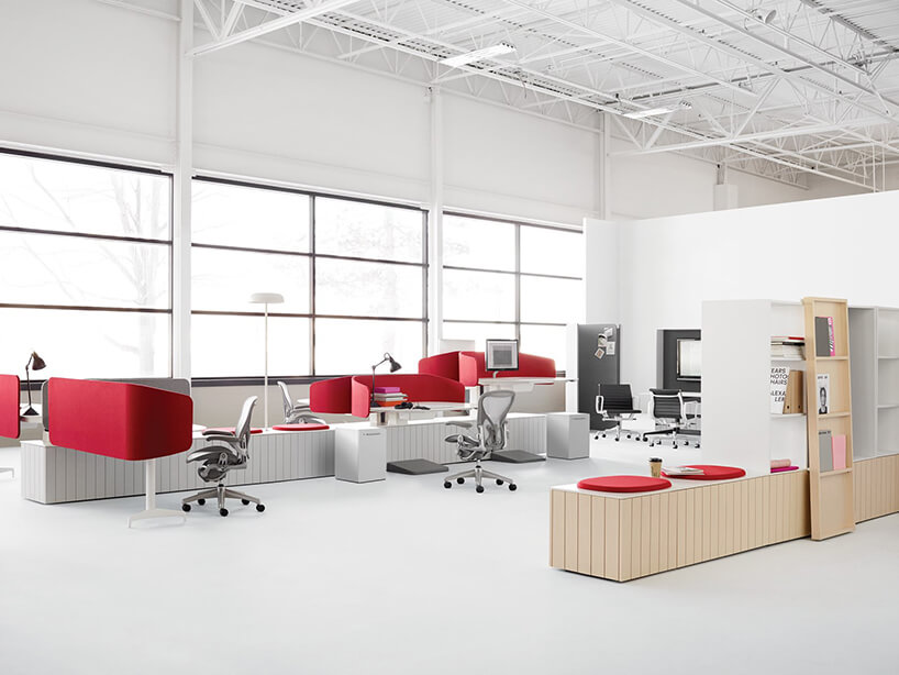 wyjątkowa nowoczesna aranżacji przestrzeni open space zczerwonymi ściankami
