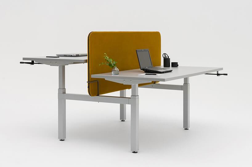 podwójne nowoczesne biurko Drive MDD zżółtą ścianką iregulowaną wysokością