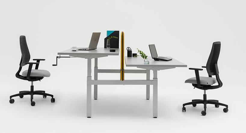 podwójne białe biurko Drive od MDD zregulowaną wysokością