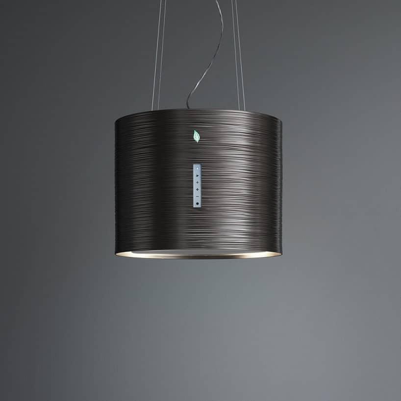 czarny okap kuchenny Twister od Falmec wkszatłcie cylindra podwieszany pod sufitem