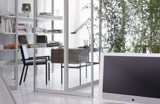 szklane ścianki działowe w nowoczesnym wnętrzu