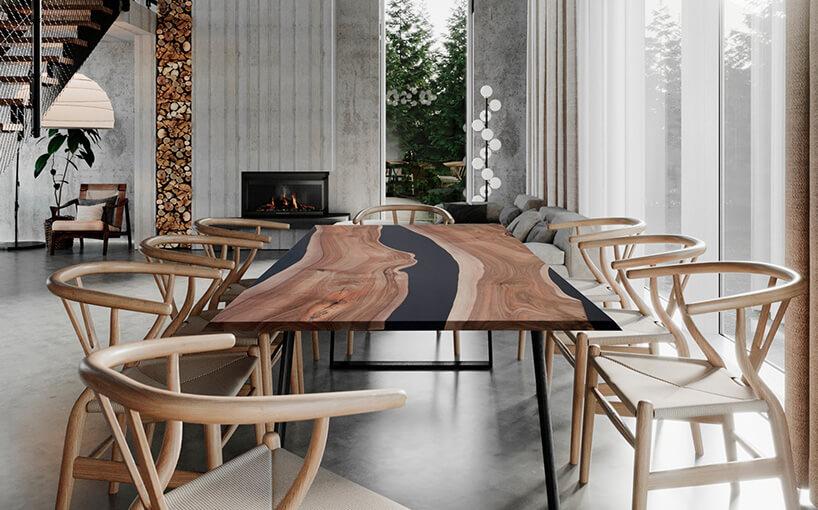 stół zczarnym nie równym paskiem iczarnymi nogami oraz drewnianymi fotelami
