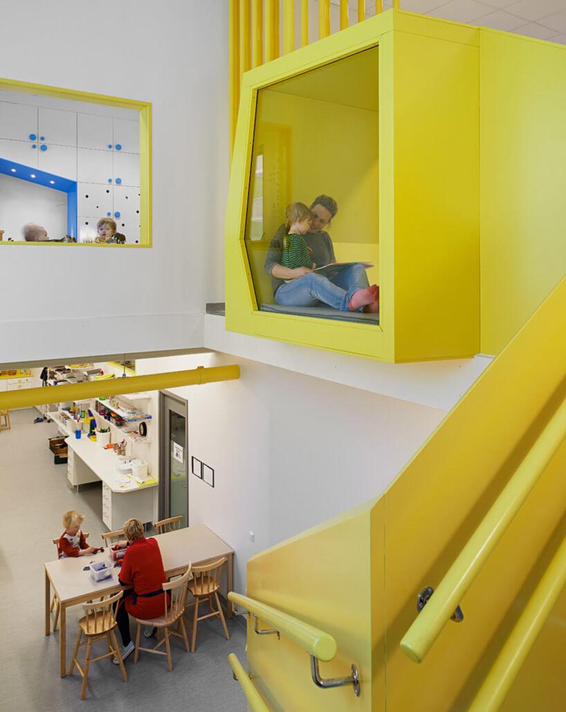 żółte meble wprzedszkolu