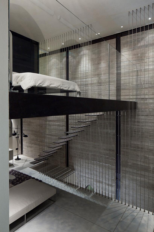 sypialnia bez ścian na piętrze