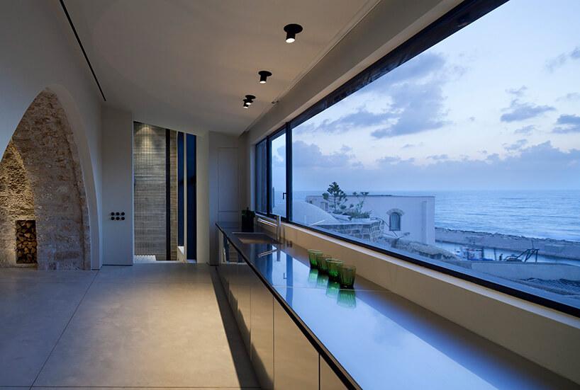 widok zpanoramicznego okna