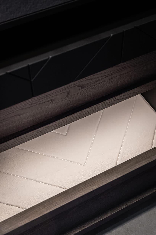 elegancki ciemny kredens kuchenny od ernestrust eleganckie białe wykończenie szuflad
