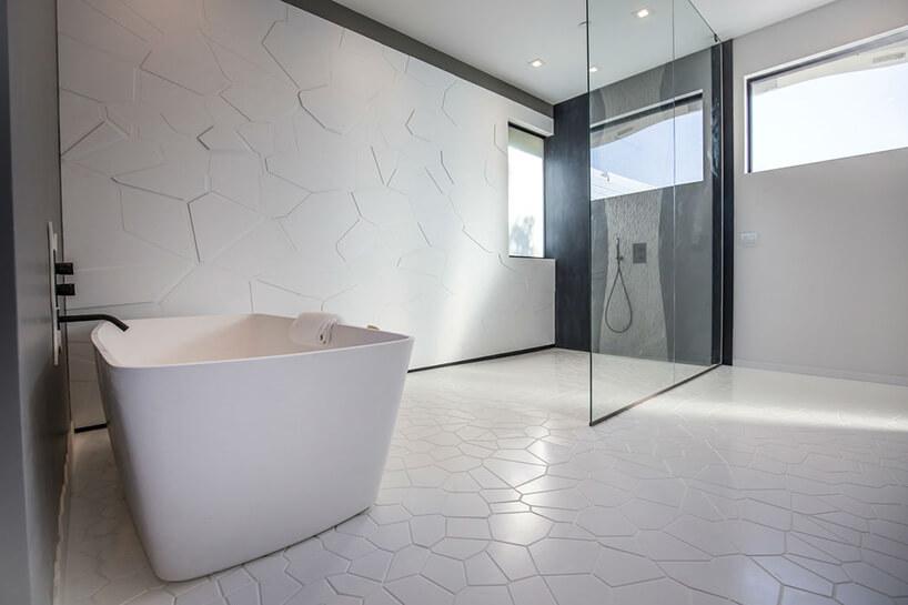 łazienka wotwartej przestrzeni
