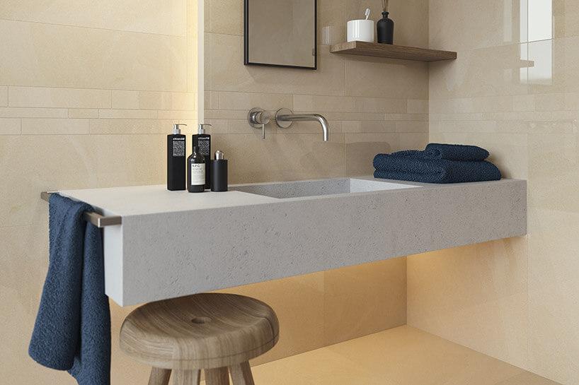 wizualizacja łazienki zbeżowymi płytkami
