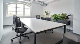przestrzeń coworkingowa na poddaszu wtrójmieście