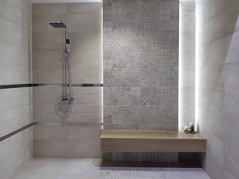 pokazowa aranżacja łazienki zpłytkami na ścianę Ceramiki Tubądzin