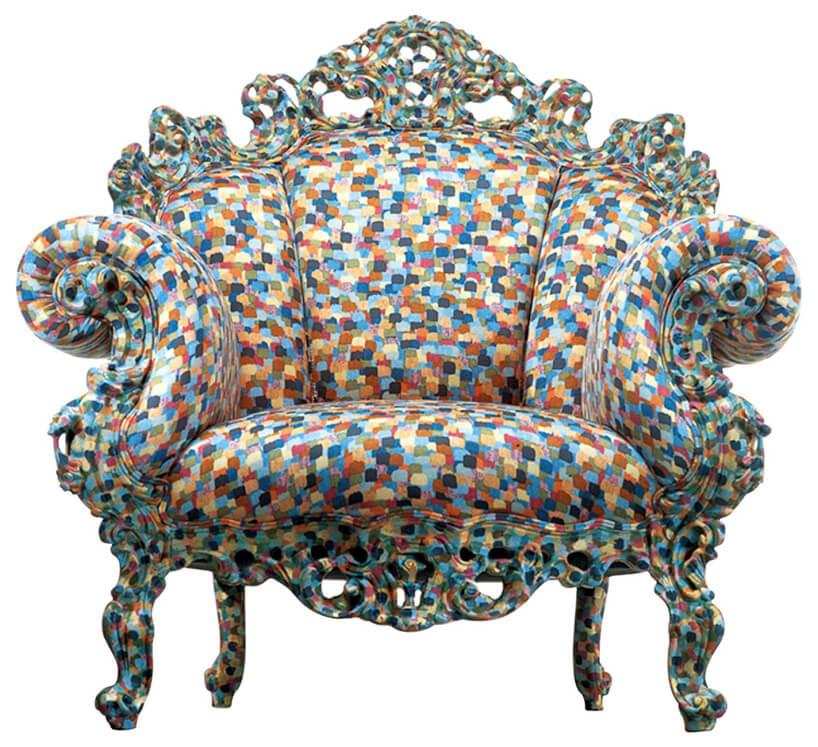 fotel wkwadraciki różnego koloru