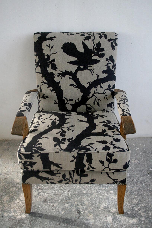 krzesło wczarno-szary wzór