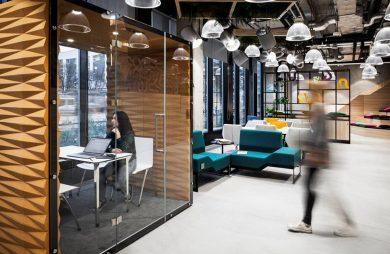 open space zagospodarowany przez boxy od VANK
