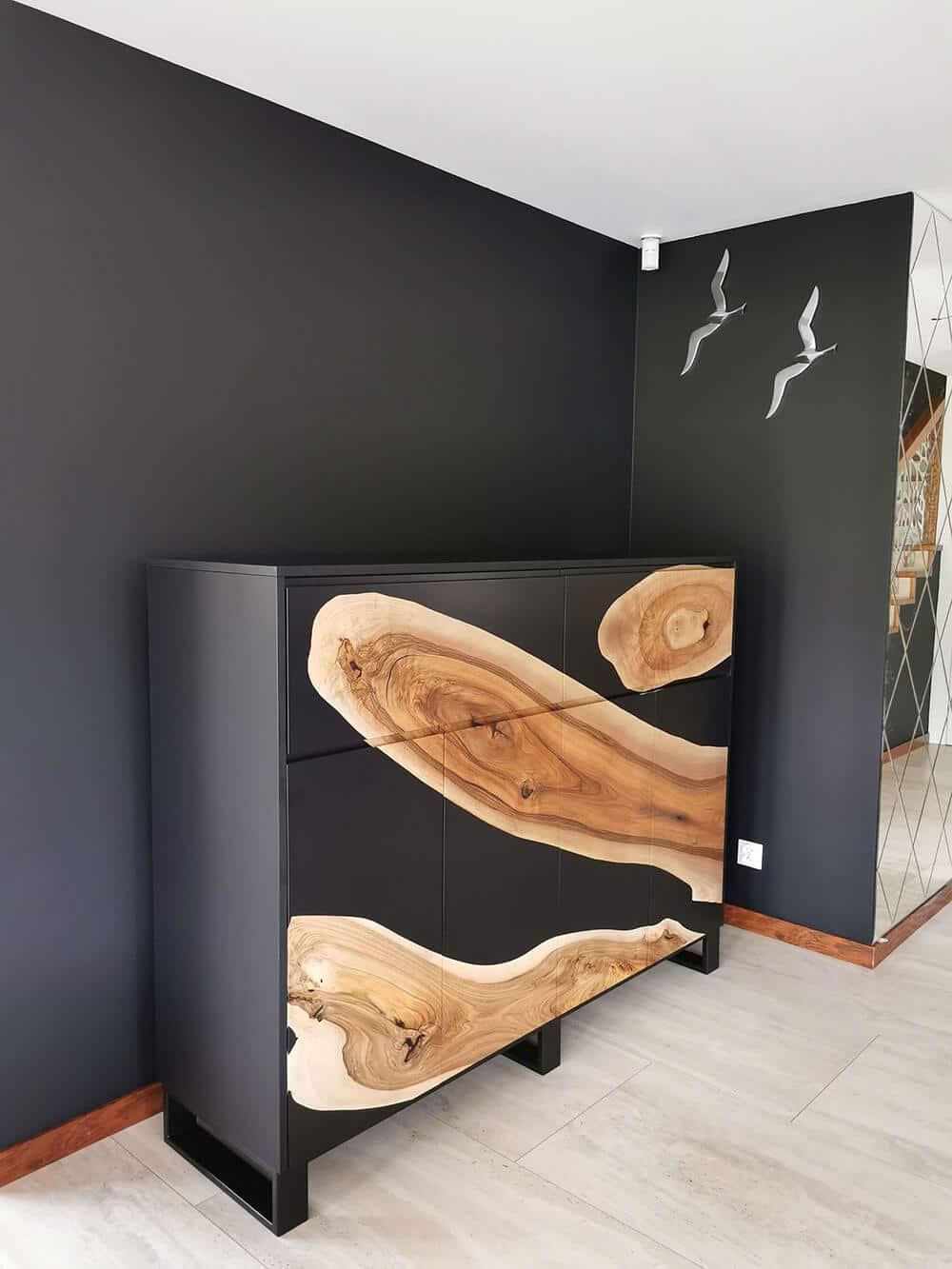 Komody iszafeczki zżywicą od Malita Just Wood