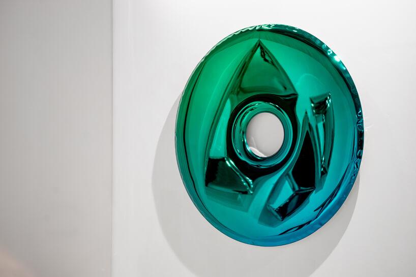 chromowana zielono-niebieska dekoracja ścienna