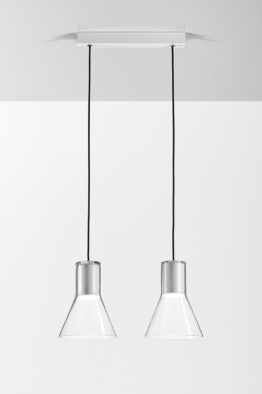dwie lampy wiszące