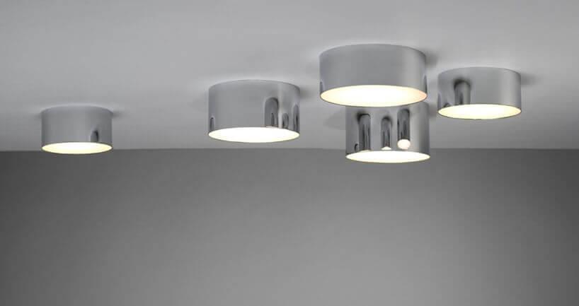 punktowe chromowane lampy na suficie