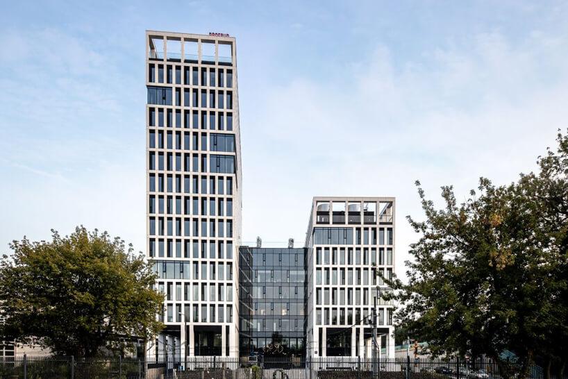 nowoczesny biurowiec Vector+ zdjęcie budynku zzewnątrz