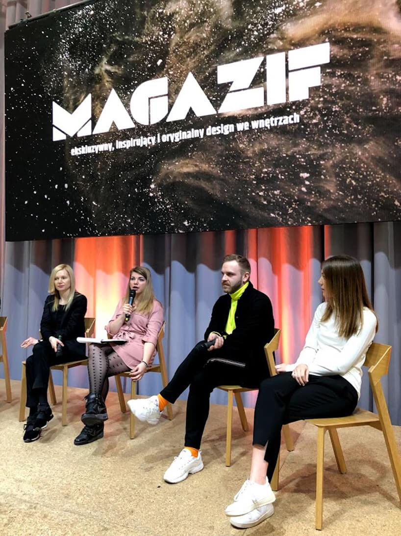 zdjęcie 3 panelistów oraz prowadzącej na panelu MAGAZIF na Arena Design 2019