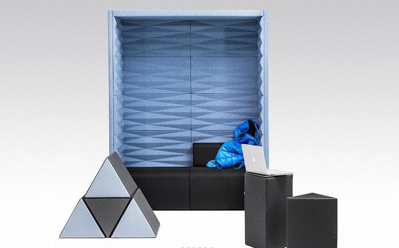prostokątna niebieska konstrukcja zszarym trójkątem