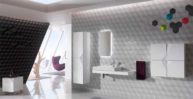 nowoczesna duża łazienka zfakturą na ścianie