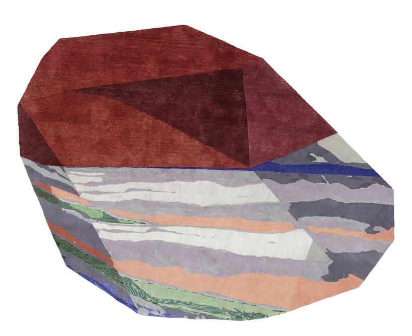 wyjątkowy dywan od CC Tapis wkształcie kolorowego kamienia