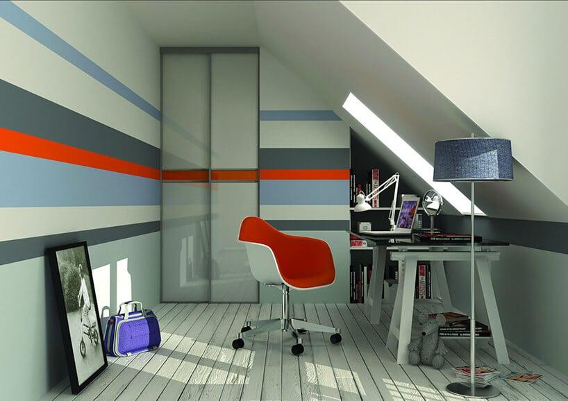 wnętrze do pracy inauki zniebieskim iczerwonym paskiem