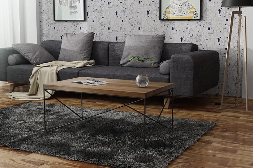 szara sofa obok wysokie lampy