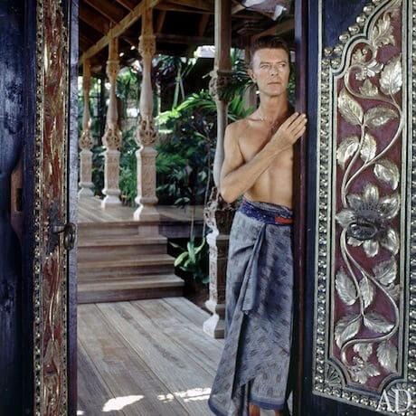 Bowie wdrzwiach posiadłości Mustique
