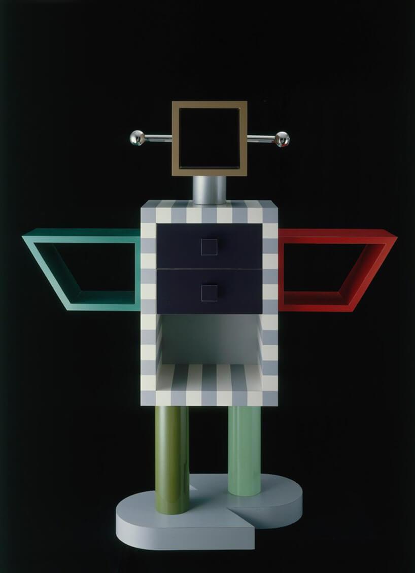 szafka wkształcie robota