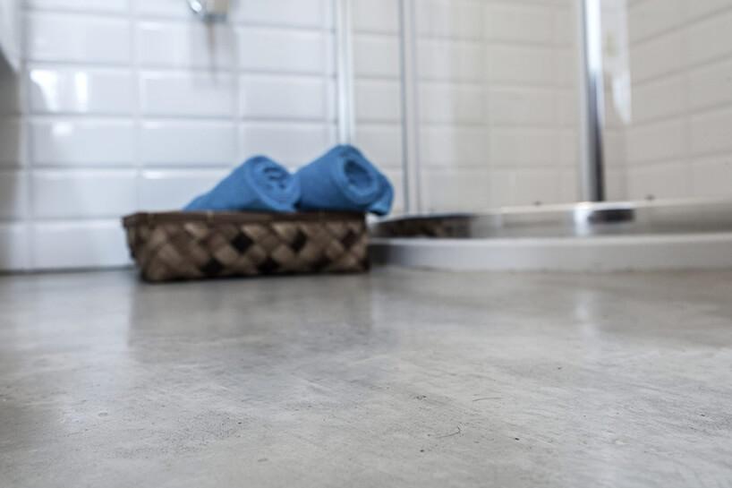 podłoga betonowa włazience