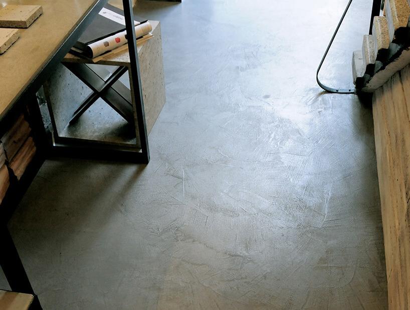polimer na betonowej posadzce