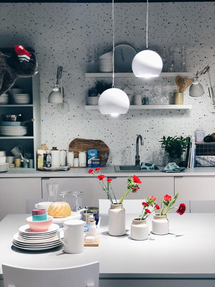 biała aranżacja kuchni od VOX