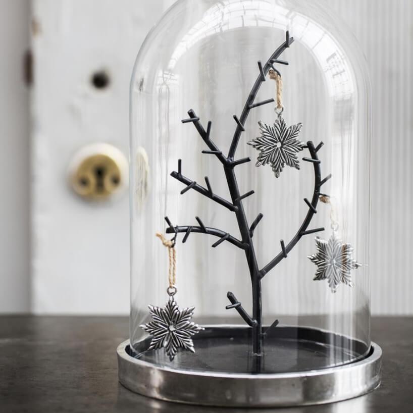 Dekoracja Serafina Bell, Lene Bjerre zmotywem świątecznym szklany dzwonek na srebrnej podstawie