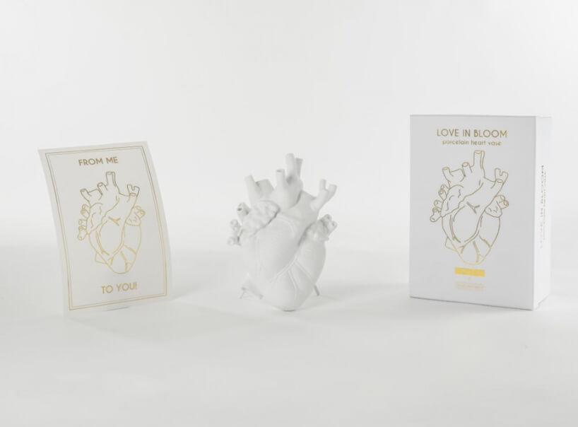 biały wazon LOVE IN BLOOM od Seletti wkształcie organu