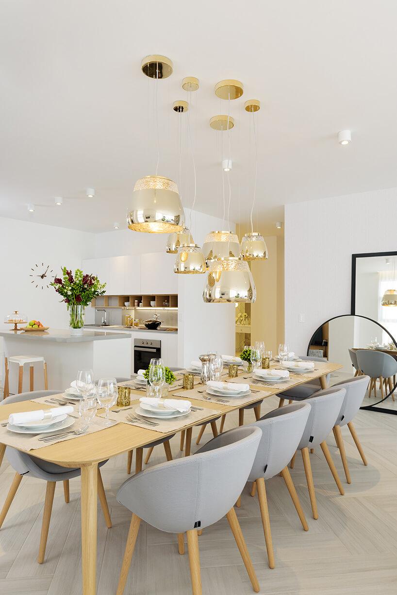 biało-złota jadalnia wjednym zmieszkań