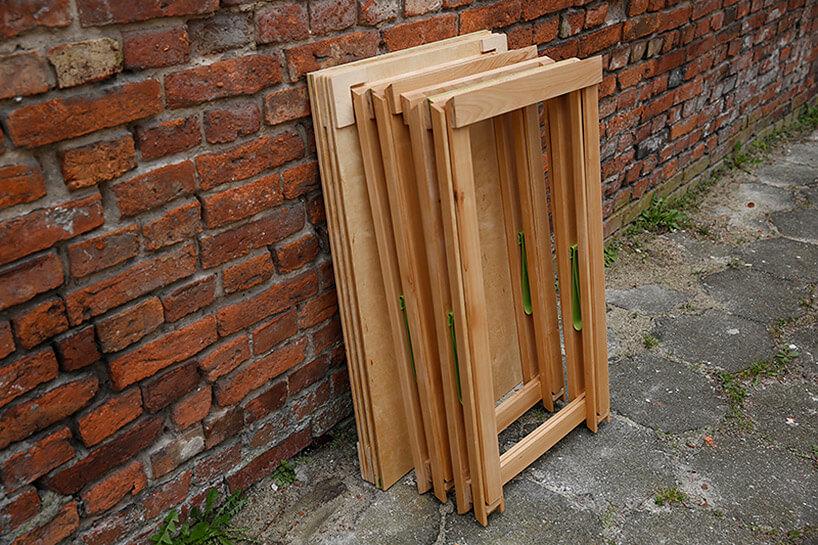 złożone elementy drewnianego stołu