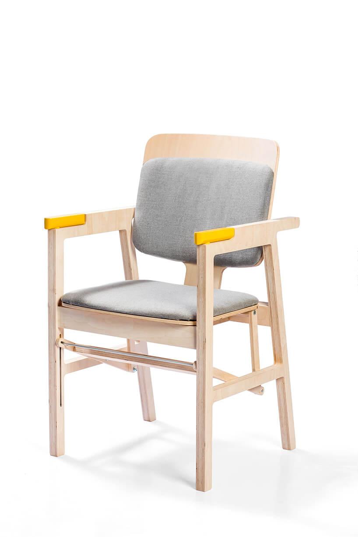 specjalne krzesło wstawacz zukrytą laską ułatwiającą wstawanie