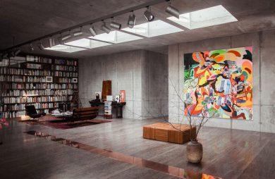 betonowe wnętrze mieszkalne