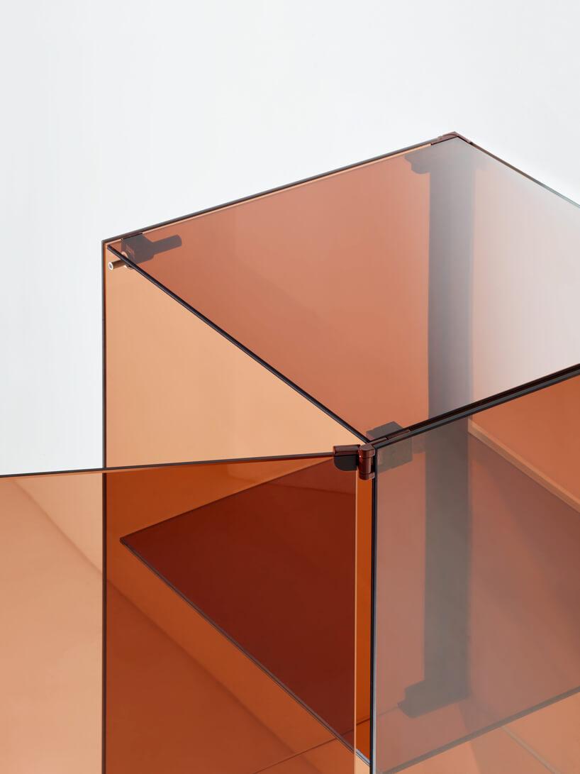 transparentna pomarańczowa otwierana szafka stojąca od RGB for BURGBAD
