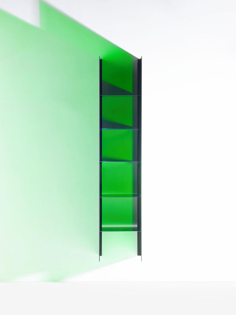 wysoka transparentna zielona szafka od RGB for BURGBAD