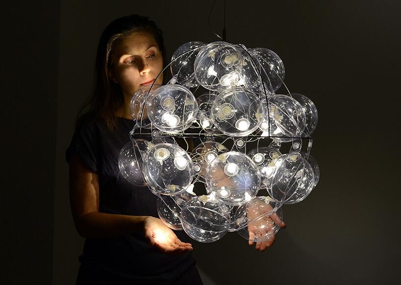 pufowa lampa wrękach twórcy