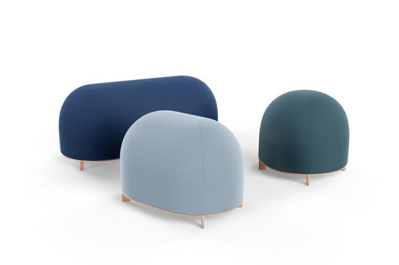 trzy pufy Stado wkolorze szarym niebieskim izielonym od Nurt