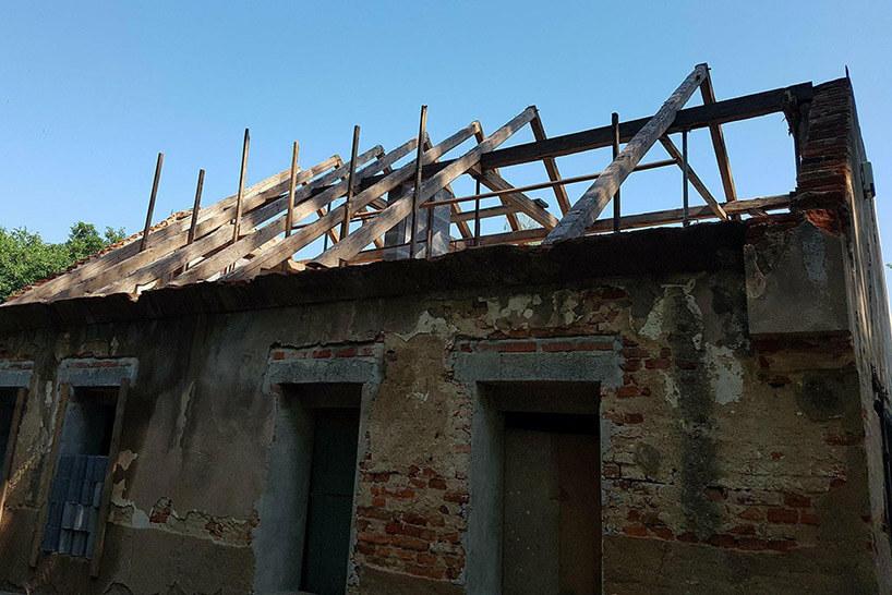 stary dom podczas rozbiórki